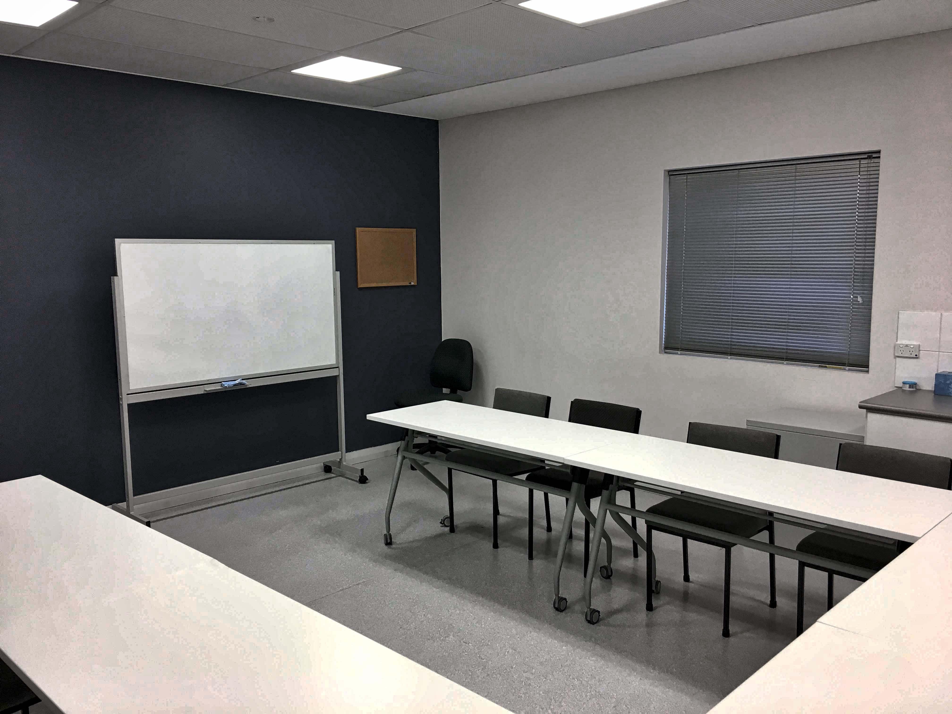 Consult 7 - Seats 14